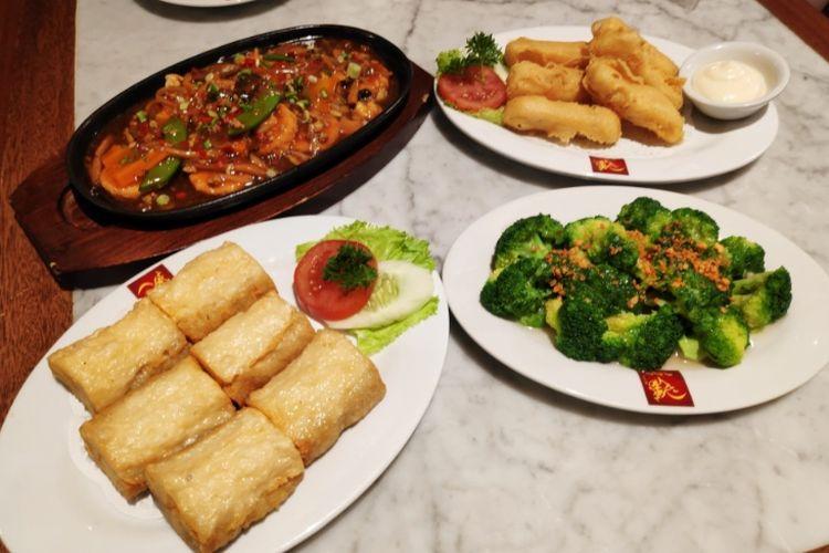 Kangen Nasi Ayam Hainan Singapura? Coba ke Restoran Ini