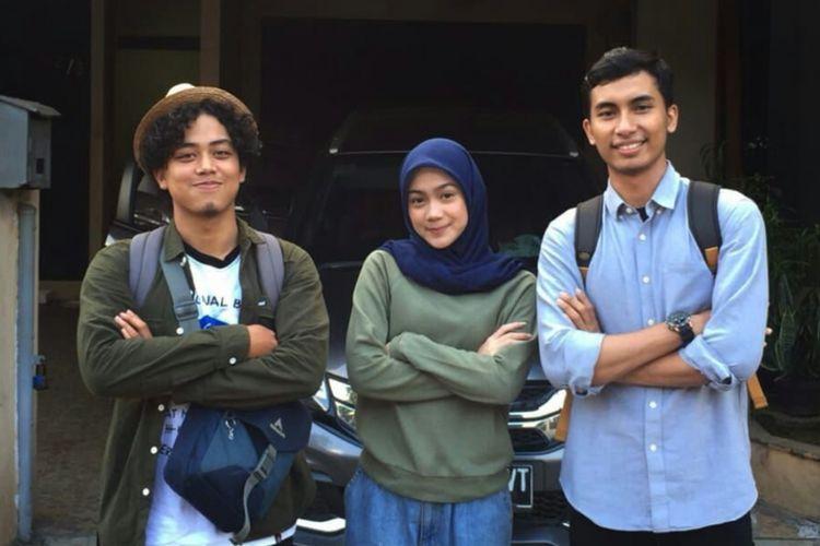 Tim Prasojo yang terdiri dari (dari kiri ke kanan) Deny, Nafiah, dan Hasan.