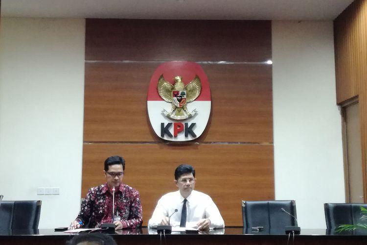 Juru Bicara KPK Febri Diansyah dan Wakil Ketua KPK Laode M Syarif di Gedung Merah Putih KPK, Jakarta, Jumat (3/5/2019)