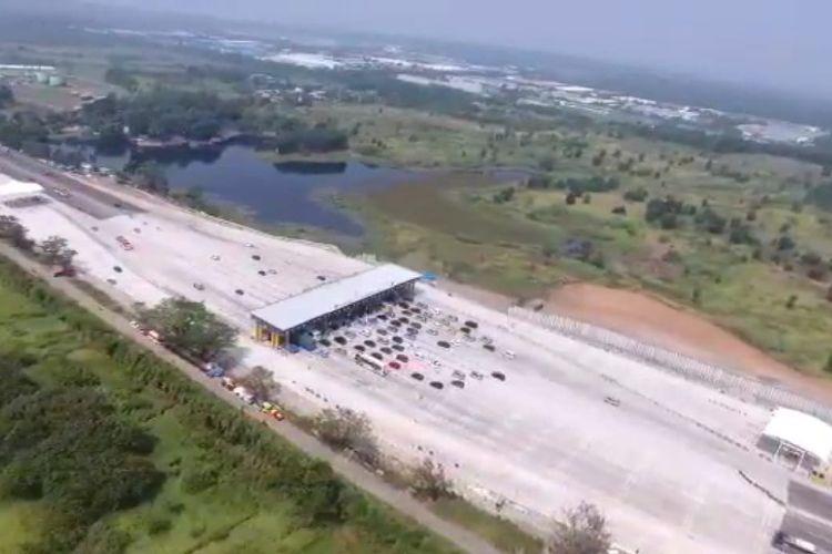 Sebanyak 206.710 kendaraan meninggalkan Jakarta pada hari pertama Lebaran 2019