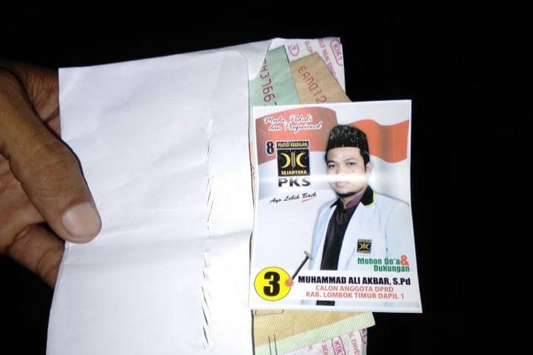 Lombok Timur, Kompas.Com inilah Barang Bukti yang diserahkan warga setelah OTT tergadap Caleg DPRD Kabupaten Lombok Timur Dapil I dari PKS