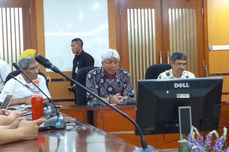 Direktur Jenderal Minerba Kementerian ESDM Bambang Gatot Ariyono memaparkan konerja Ditjen Minerba 2018 di kantor Ditjen Minerba, Jakarta, Rabu (9/1/2019).