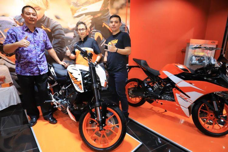 Pembukaan dealer ke-16 KTM di Indonesia. Dealer tersebut berada di Jalan Abdurahman Saleh no 79 Bandung.