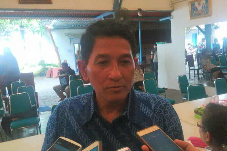 Pengageng Parentah Keraton Kasunanan Surakarta Hadiningrat, GPH Dipokusumo di Dalem Sasana Putra Keraton Surakarta di Solo, Jawa Tengah, Rabu (22/11/2017).