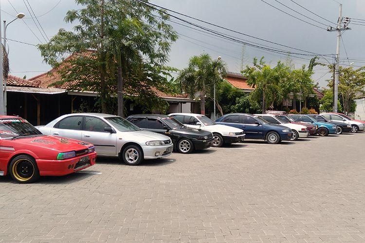Beberapa varian mobil Mazda yang dimiliki anggota GMC.