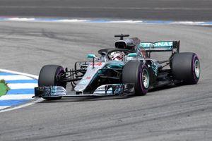 Lewis Hamilton Menangi Balapan GP Jerman secara Dramatis