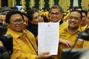 Oesman Sapta Tunjukkan SK Menkumham yang Sahkan Kepengurusan Kubunya