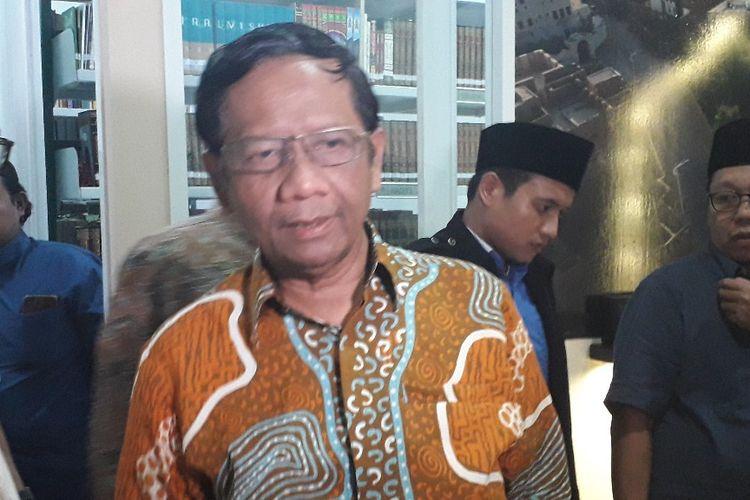 Ketua Gerakan Suluh Kebangsaan Mahfud MD selepas bertemu sejumlah tokoh agama di kawasan Kalibata, Rabu (10/7/2019).