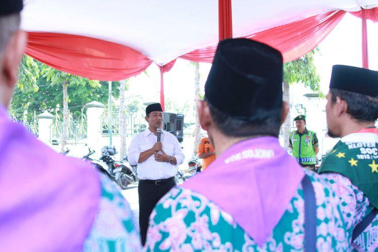 Wali Kota Semarang Hendrar Prihadi memberangkatkan 1.919 calon jamaah haji dari Kota Semarang yang terbagi ke dalam 6 kelompok terbang pada 5 dan 6 Agustus 2018.
