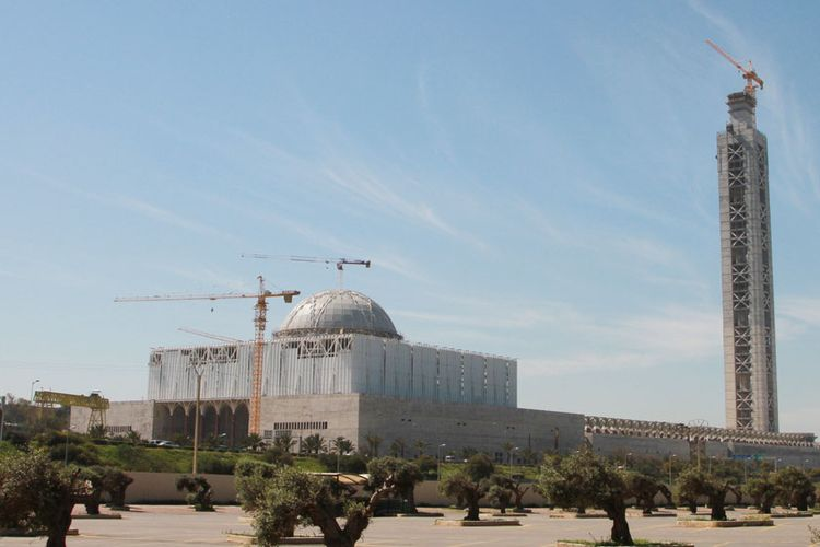 Masjid Agung Aljazair di Algiers yang mulai dibangun pada 2008 dan akan menjadi masjid terbesar ketiga di dunia.