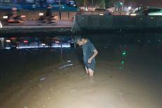 Pipa Aetra Bocor di Cakung, Jalan Raya Bekasi Ini Tergenang Air 50 Cm