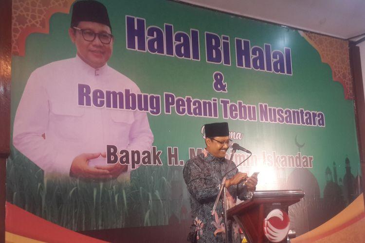 Wakil Gubernur Jawa Timur Saifullah Yusuf saat menghadiri Halalbihalal dan Rembug Petani Tebu Nusantara di komplek Pabrik Gula Krebet, Kabupaten Malang, Selasa (25/7/2017)