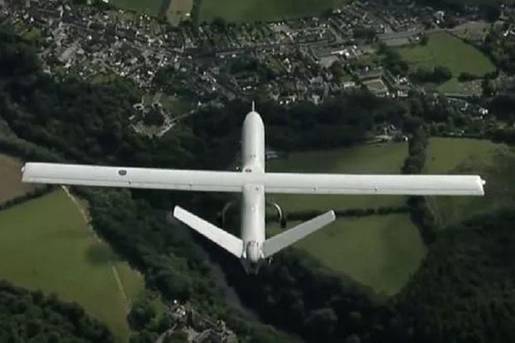 Drone milik militer Inggris, The Watchkeeper WK050 bernilai Rp 102 miliar, yang jatuh menabrak pohon dekat sekolah dasar di Wales, pada Juni 2018.