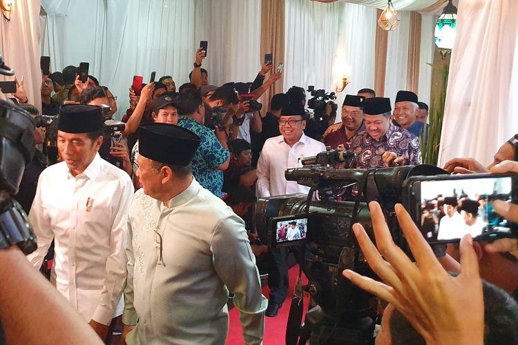 Presiden Joko Widodo dan Wakil Presiden Jusuf Kalla, Senin (13/5/2019), berbuka puasa bersama di rumah dinas Ketua DPR RI Bambang Soesatyo, di Kompleks Widya Chandra, Jakarta Selatan.