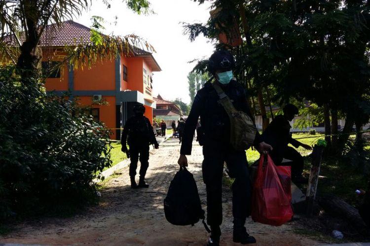 4 Bom Rakitan Diamankan dari 3 Terduga Teroris di Universitas Riau yang Berencana Serang Gedung DPR