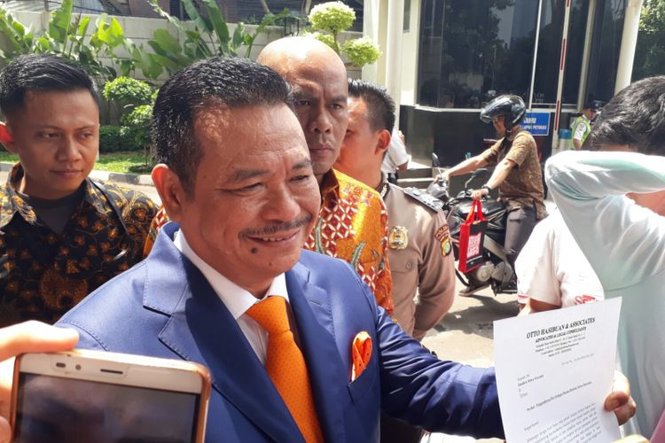 Otto Hasibuan pengacara Ketua DPR Setya Novanto mengundurkan diri, Jumat (8/12/2017).