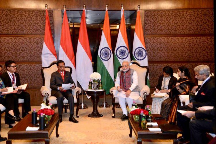 Suasana pertemuan bilateral antara Presiden Joko Widodo dengan Perdana Menteri India Narendra Modi di Hotel Taj Diplomatic Enclave, New Delhi, Kamis (25/1/2018).