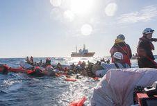Sekitar 800 Migran Diselamatkan dari Laut Mediterania