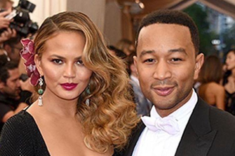 Pasangan selebriti John Legend dan Chrissy Teigen.