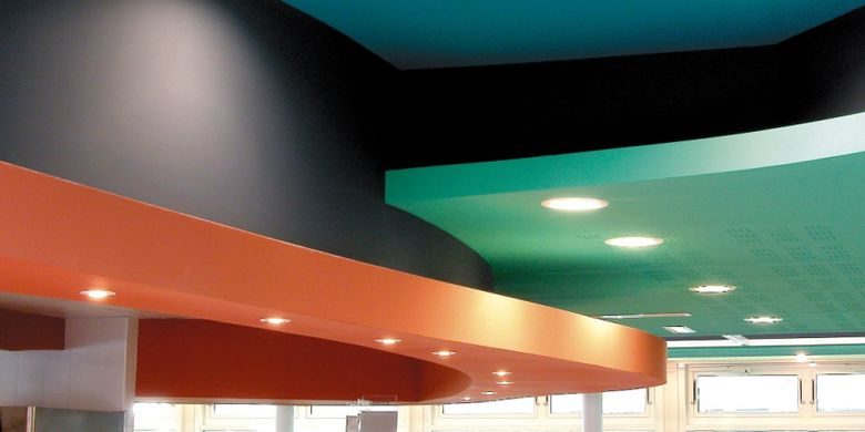 Salah satu cara yang simpel namun bisa menuai sentuhan seni istimewa adalah mengubah tampilan plafon atau langit-langit pada atap rumah sesuai cita rasa diinginkan.