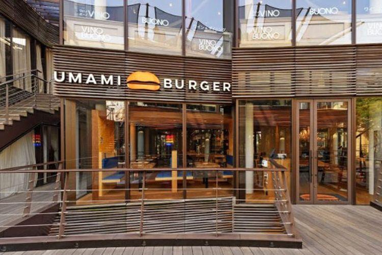 Umami Burger di Jepang. Burger yang menggunakan kata Umami (dalam bahasa Jepang artinya kelezatan) ini sebetulnya berasal dari Los Angeles, Amerika Serikat.