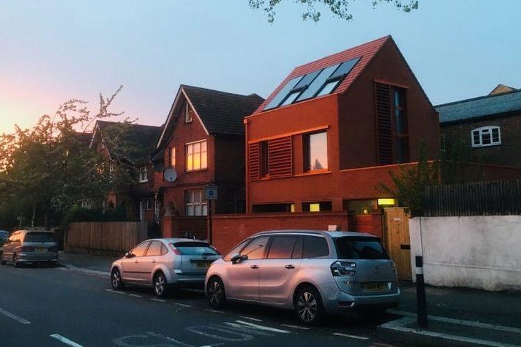 Rumah bernama Passivhaus karya Chris Moore di London.
