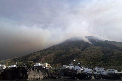 Gunung Stromboli di Italia Meletus, Puluhan Warga Melompat ke Laut