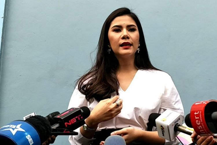 Cynthia Ramlan saat diwawancarai di kawasan Tendean, Jakarta Selatan, Selasa (13/3/2018).