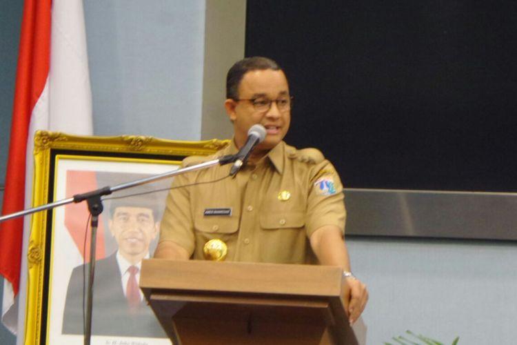 Gubernur DKI Jakarta Anies Baswedan saat memberikan pengarahan kepada pejabat Pemprov DKI Jakarta di Balai Kota DKI Jakarta, Selasa (17/10/2017).