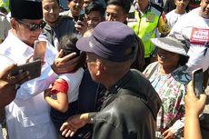 Di Makam Bung Karno, Prabowo Disambut Relawan Berkaus #2019GantiPresiden