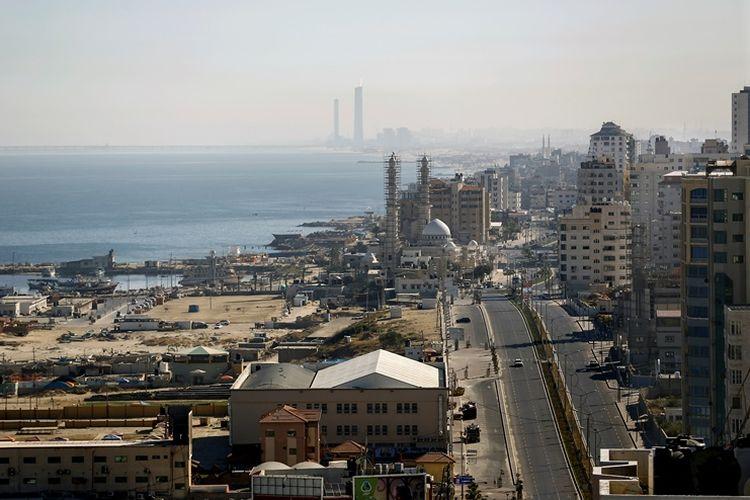 Jalan Harun al-Rayid di Gaza City ini dibangun dengan bantuan dana dari Qatar. Kini Arab Saudi mendesak Qatar menghentikan dukungannya terhadap Hamas, penguasa Jalur Gaza.