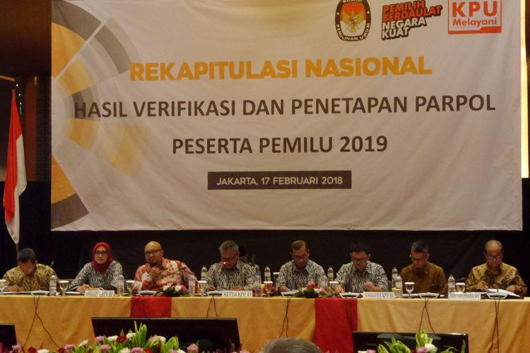 KPU mengumumkan hasil rekapitulasi nasional partai politik untuk menjadi peserta Pemilu 2019 di Hotel Grand Mercure Harmoni, Jakarta, Sabtu (17/2/2018).