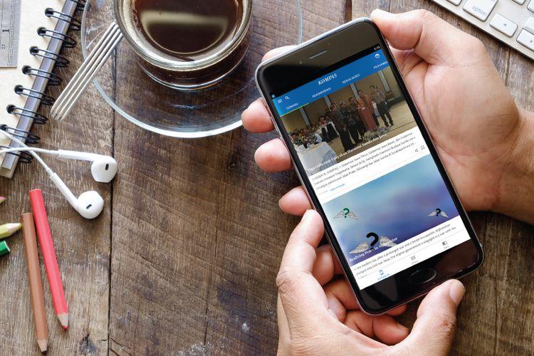 Tampilan aplikasi Kompas.id di telepon seluler. Kompas.id resmi diluncurkan sebagai aplikasi pada 8 Maret 2018.