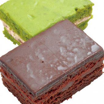 """F-Chocolat"", di depan adalah plain dan yang belakang adalah matcha yang dijual secara terbatas waktu"