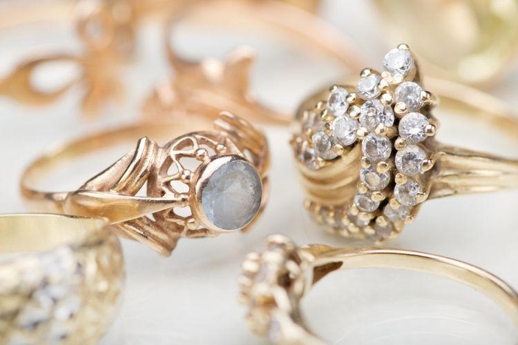 Ilustrasi perhiasan