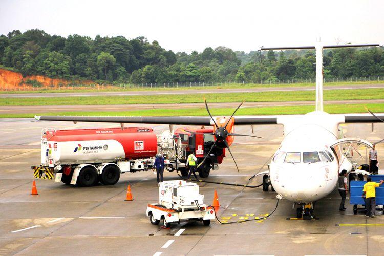 Depot Pengisian Pesawat Udara Hang Nadim, Batam, Kepri terus meningkatkan pelayanannya dalam menyediakan avtur terhadap sejumlah maskapai yang ada di Bandara Hang Nadim, Batam. Hal ini bertujuan untuk membantu kelancaran tranfortasi udara guna mempersingkat jarak dan waktu antara daerah satu ke daerah lainnya yang ada di Indonesia.