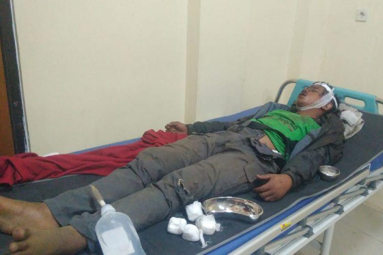 Seorang pendaki bernama Safiq Fadilah (14) dilaporkan terjatuh ke dalam jurang di kawasan puncak Gunung Slamet, Jawa Tengah, Rabu (26/9/2018).
