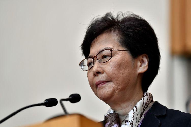 Kepala Eksekutif Hong Kong Carrie Lam saat memberikan pernyataan terkait aksi unjuk rasa warga Hong Kong, Senin (5/8/2019).