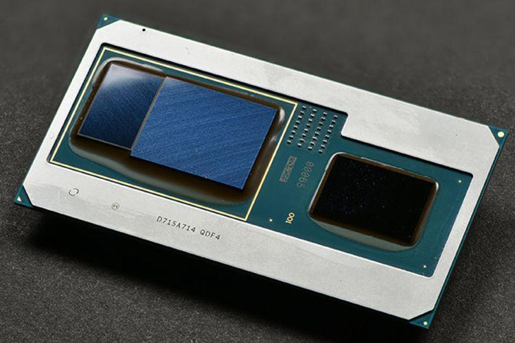 Kemasan prosesor Intel Core dengan pengolah grafis (GPU) AMD Radeon RX Vega M dan memori HBM2 4 GB.