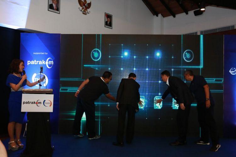 Telkomsat gandeng THISS Technologies Pte Ltd Singapura meluncurkan Patrakom USAT, layanan baru berupa komunikasi satelit broadband bagi pelanggan maritim di wilayah Asia Tenggara.  Layanan baru yang bernama Patrakom USAT
