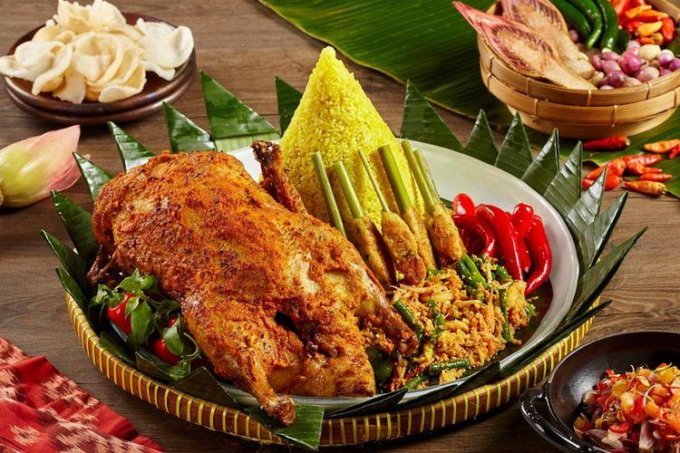 Hidangan ala Bali untuk peringati Hari Kemerdekaan RI di Raffles Jakarta.