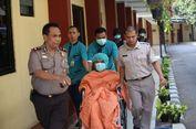 Dilarikan ke IGD, Pasien RS Polri Berselimut Oranye dan Bermasker Dikawal Petugas Bersenjata