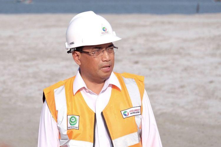 Menteri Perhubungan Budi Karya Sumadi saat meninjau Belawan International Container Terminal di Belawan, Medan, Sumatera Utara, pada Rabu (17/1/2018)
