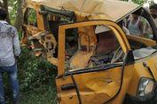 Van Berisi Murid Sekolah Ditabrak Kereta di India, 13 Anak Tewas