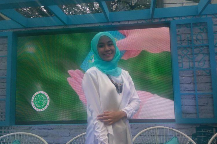Anisa Rahma berpose di sebuah kawasan di SCBD, Jakarta Selatan, Rabu (27/9/2017)
