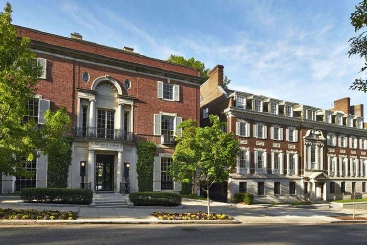 Rumah mewah milik Jeff Bezos di Washington DC, Amerika Serikat.