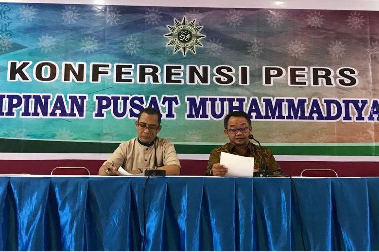 Sekretaria Umum PP Muhammadiyah Abdul Muti (kanan), Selasa (17/4/2018), saat konferensi pers respons Muhammadiyah terhadap serangan AS, Inggris dan Perancis terhadap Suriah.