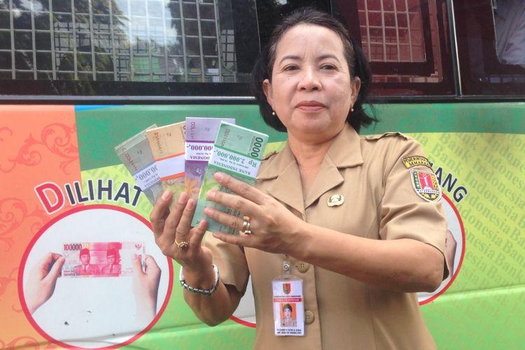 Layanan penukaran uang mulai dibuka di Kota Semarang, Senin (21/5/2018). BI menyediakan yang tunai Rp 23,2 triliun untuk kebutuhan lebaran.