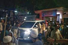 Prabowo Jenguk Pendukungnya di Rumah Aspirasi Prabowo-Sandi