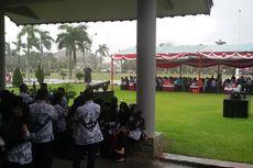 Peserta Upacara Hari Pendidikan Nasional Bubar karena Hujan dan Badai